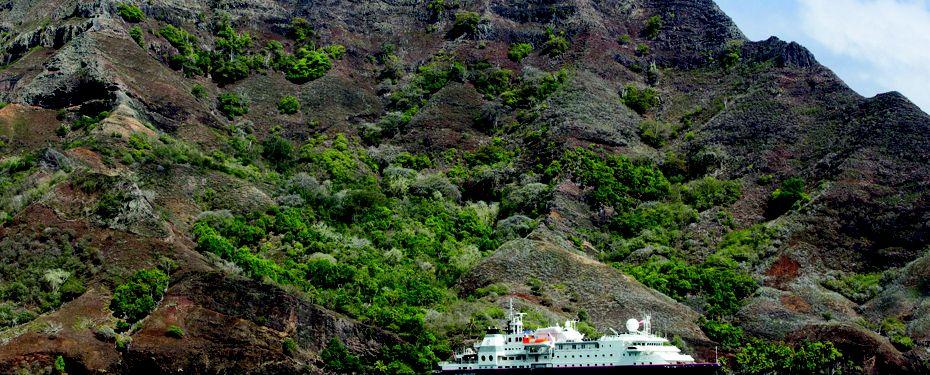 Pau Mao Bay, Hiva Oa, Marquesas Isl