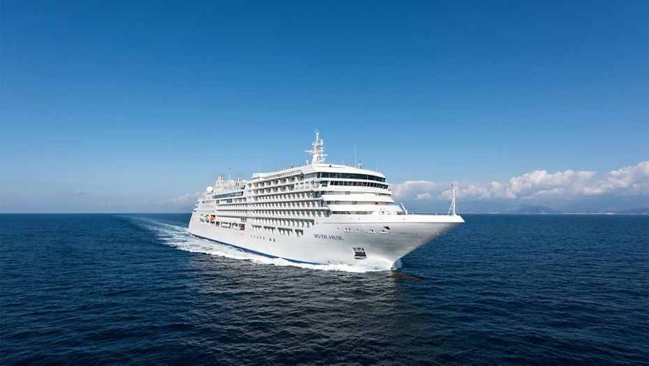 10 INTIMATE LUXURY SHIPS