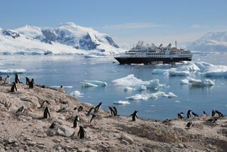 ANTARCTICA BRIDGE: SILVERSEA BECOMES FIRST ULTRA-LUXURY CRUISE LINE TO FLY GUESTS DIRECTLY TO ANTARCTICA IN BUSINESS-CLASS COMFORT