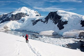 SILVERSEA OPENS SALES ON ANTARCTICA BRIDGE - WORLD'S FIRST ULTRA-LUXURY FLY-CRUISE TO ANTARCTICA