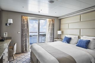 SILVERSEA UNVEILS THE REFURBISHED SILVER SHADOW:  ELEGANT NEW LIVERY, BESPOKE LALIQUE DECORATIONS & REIMAGINED SPACES