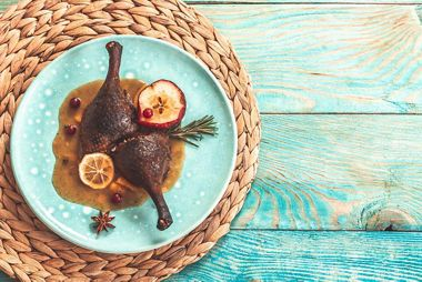 SILVERSEA CRUISES EXTENDS SEASON'S GREETINGS WITH S.A.L.T.-INSPIRED FESTIVE FEAST