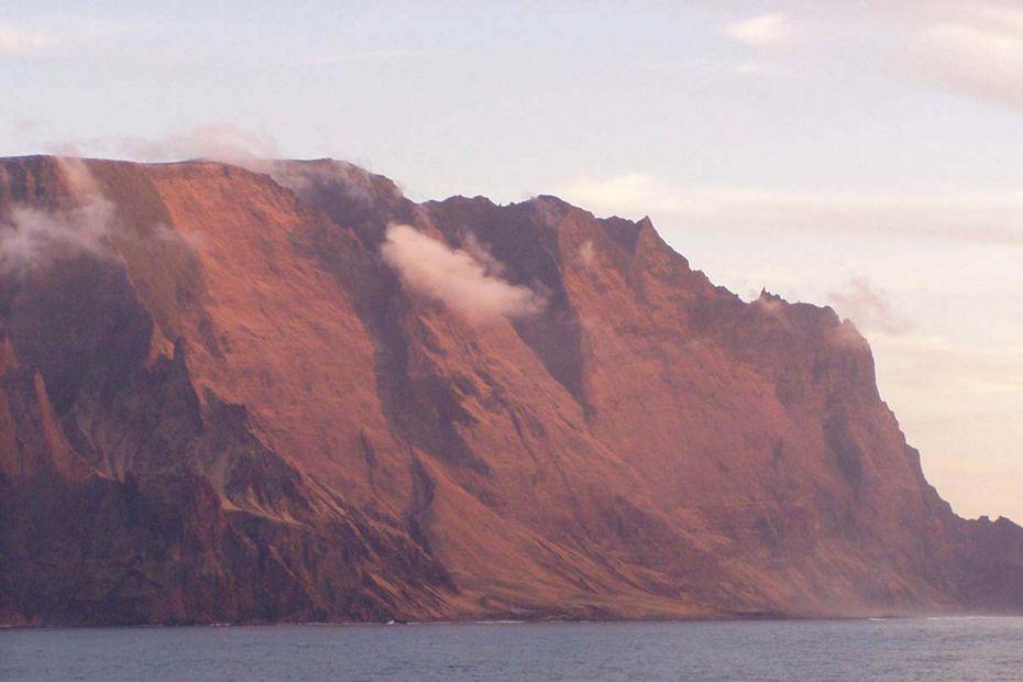 7905 - Valparaiso to Easter Island