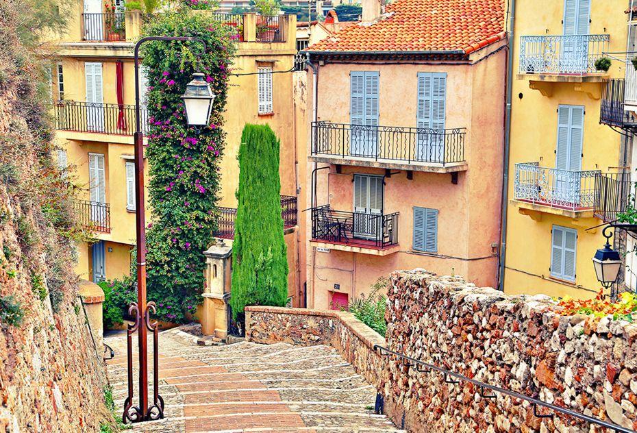 6824 - Monte Carlo a Barcelona