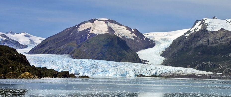 Cruising Chilean Fjords