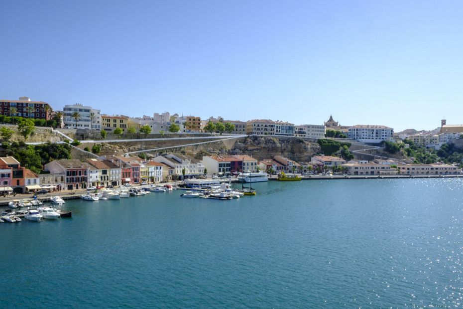 SL201017012 - Barcelona to Piraeus