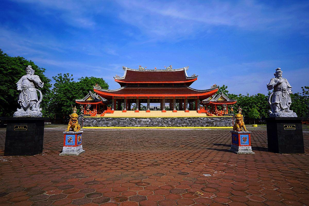 Semarang Gateway For Borobodur Silversea