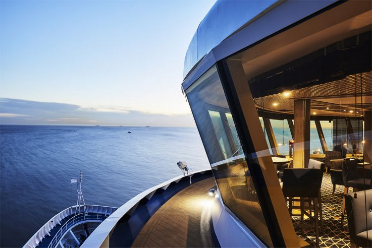 Luxurious cruise travel silver cloud expedition silversea for Luxury small cruise lines