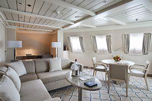 Silver Cloud   Royal Suite