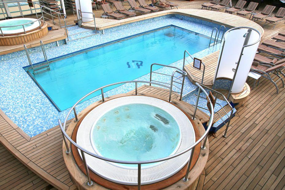 Silver Wind - Pool Deck